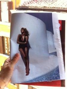 La modella e attrice americana Kate Upton in un servizio di Vogue Spagna. Da L'Espresso, n.27 anno LIX